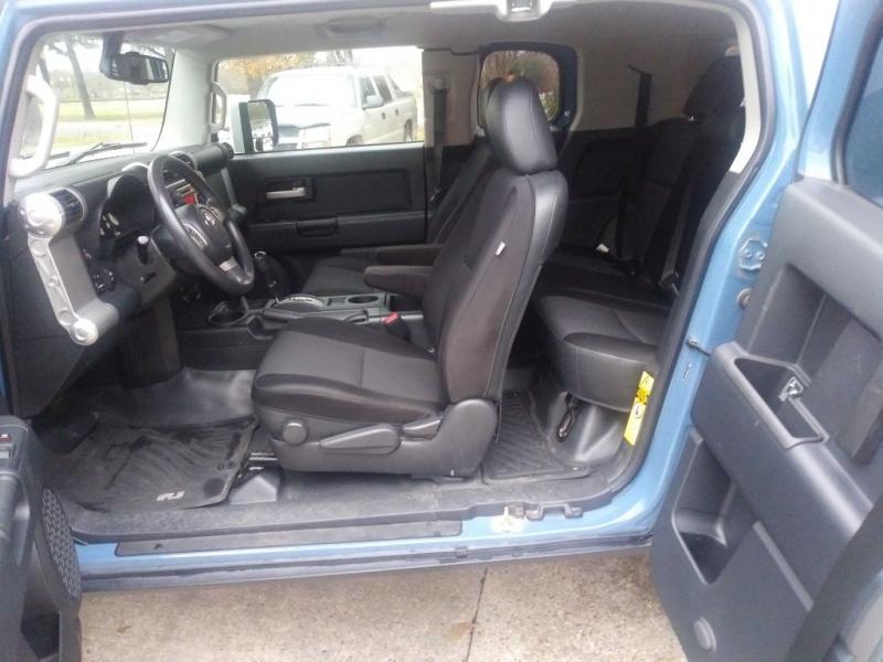 TOYOTA FJ CRUISER 2011 price $18,995