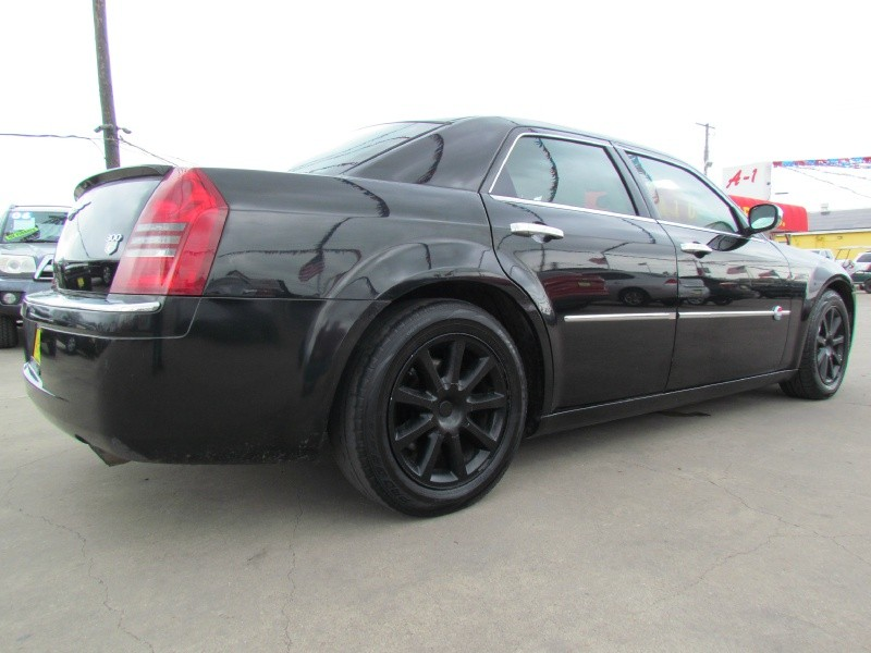 Chrysler 300-Series 2006 price Call for Pricing.