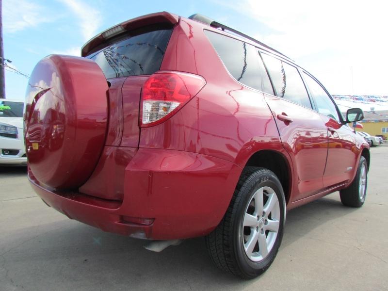 Toyota RAV4 2007 price Call for Pricing.
