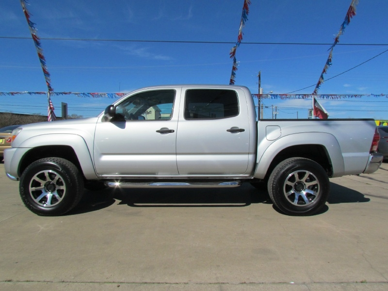 Toyota Tacoma 2006 price Call for Pricing.