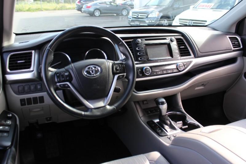 Toyota Highlander 2014 price $22,900
