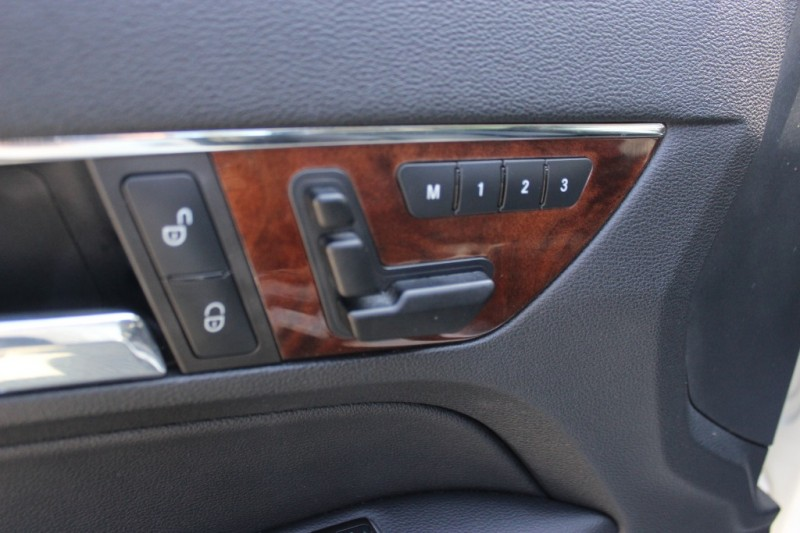 Mercedes-Benz E-Class 2010 price $12,900