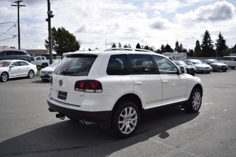 Volkswagen Touareg 2 2009 price $12,900