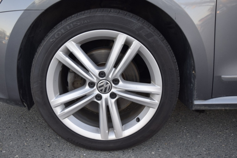 Volkswagen Passat 2013 price $11,500