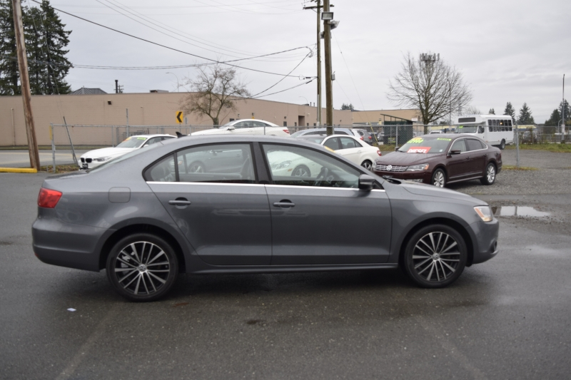 Volkswagen Jetta Sedan 2013 price $12,900