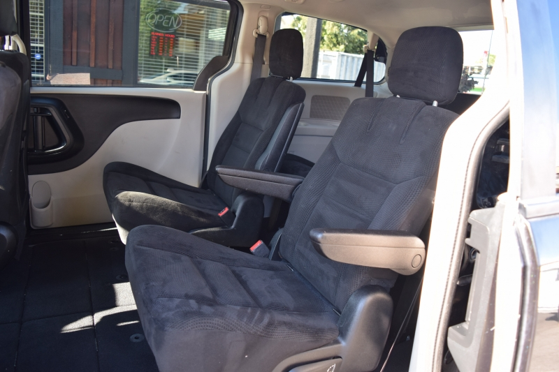 Dodge Grand Caravan 2014 price $10,500