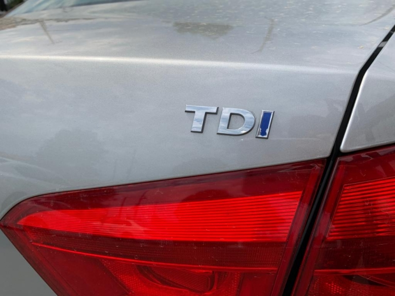 Volkswagen Passat 2013 price $13,900