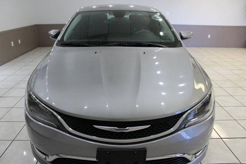 Chrysler 200 2015 price $11,295