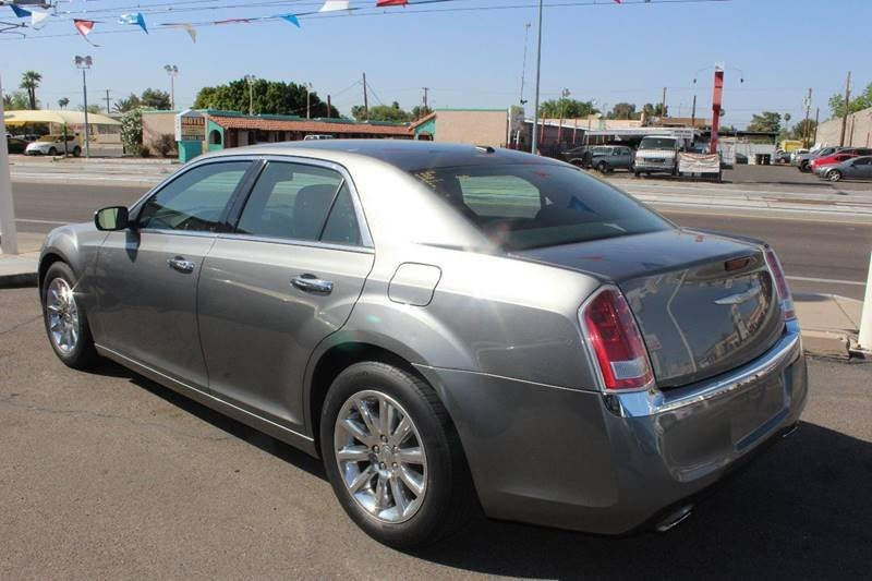 Chrysler 300 2013 price $11,795