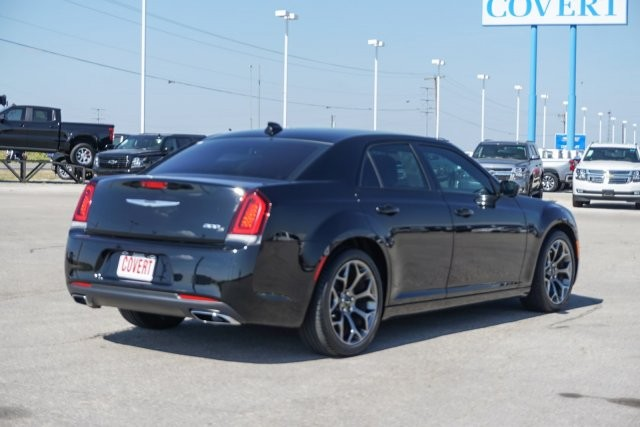 Chrysler 300 2016 price $999 Down