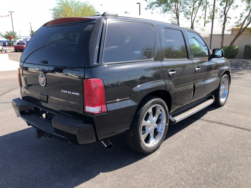 Cadillac Escalade 2005 price $7,888