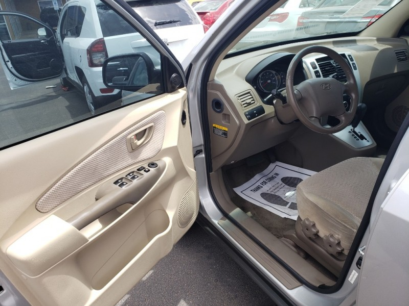 Hyundai TUCSON 2008 price $11,995