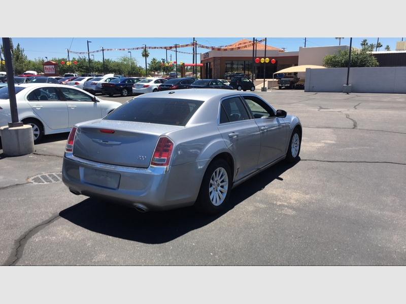 Chrysler 300-Series 2014 price $17,195