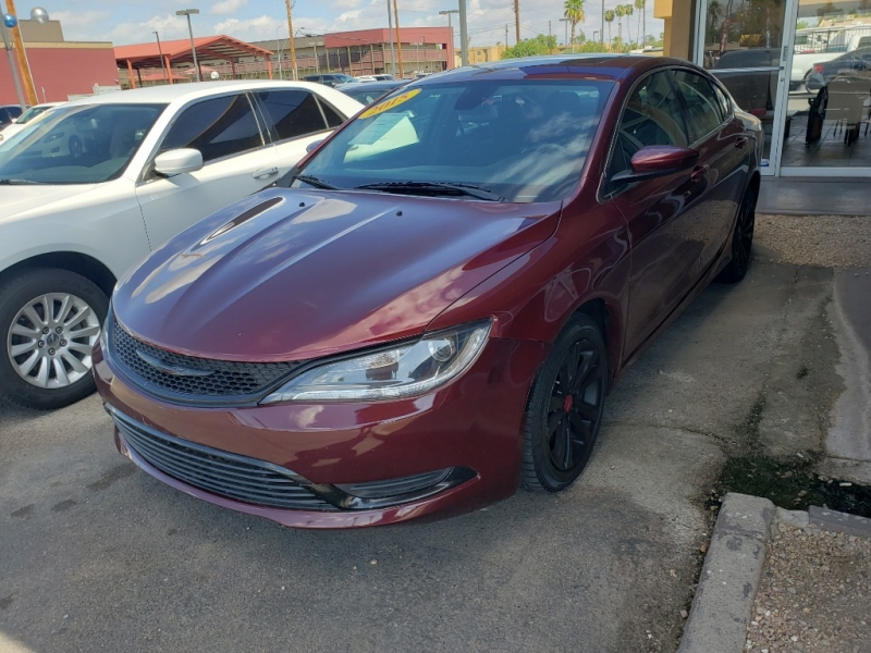 Chrysler 200 2015 price $13,995