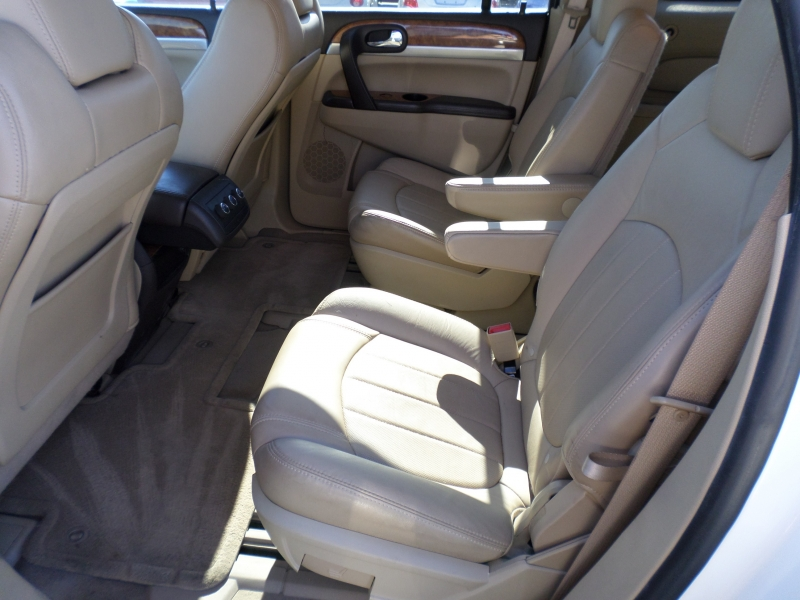 Buick Enclave 2010 price $13,495