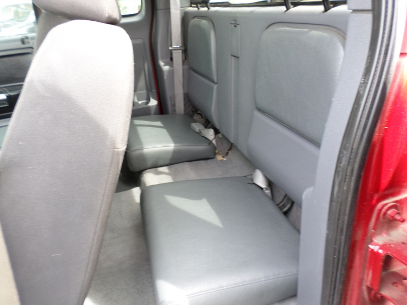 Mitsubishi Raider 2006 price $4,888
