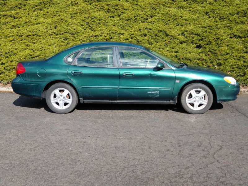 FORD TAURUS 2000 price $2,495