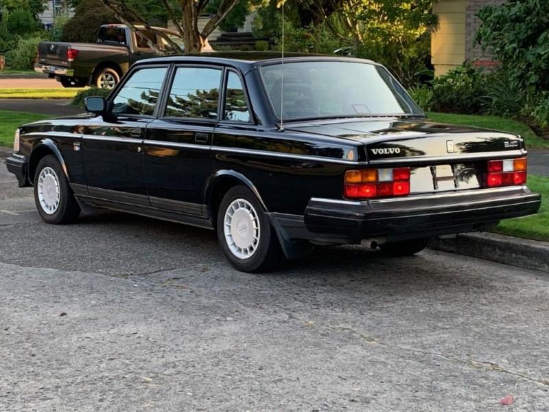 VOLVO 240 1993 price $7,995