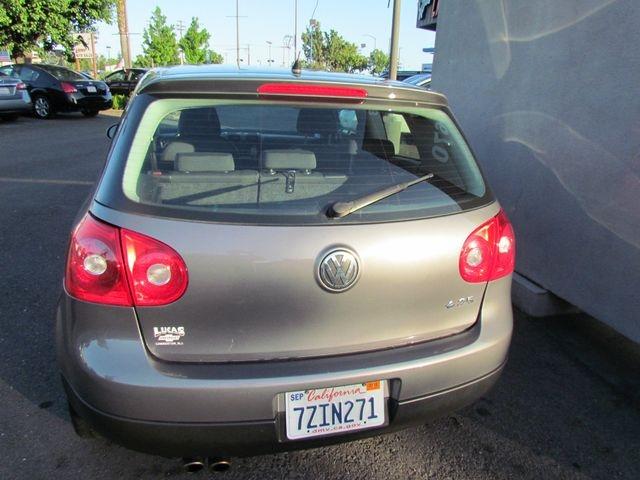 Volkswagen Rabbit 2007 price $4,995