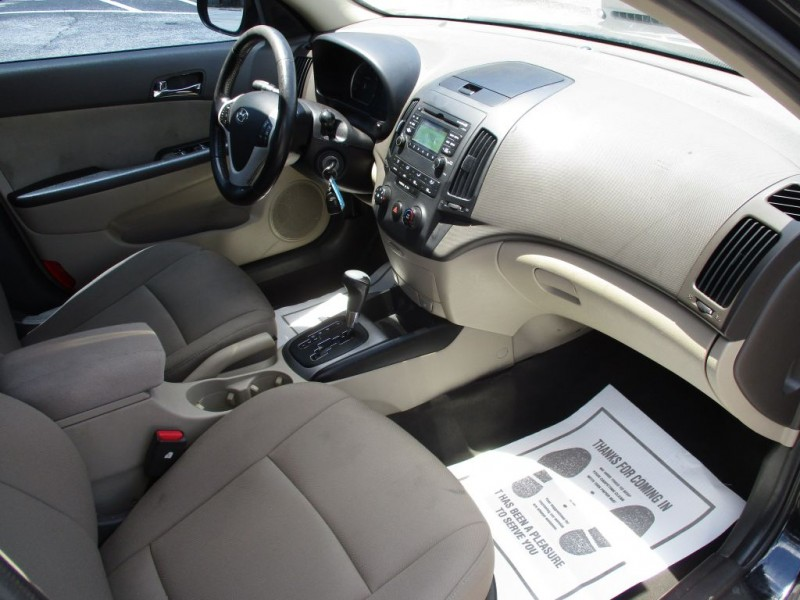 Hyundai Elantra Touring 2010 price $700 Down