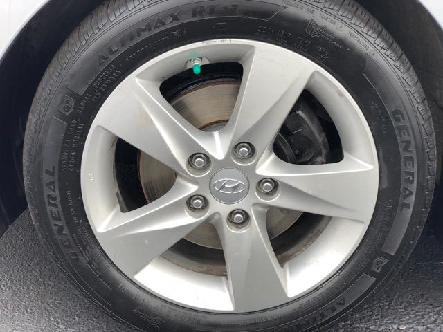 Hyundai Elantra 2012 price $10,294