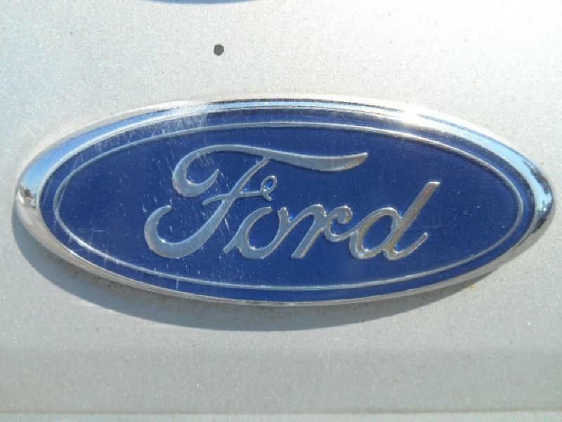 FORD ESCAPE 2005 price $6,294