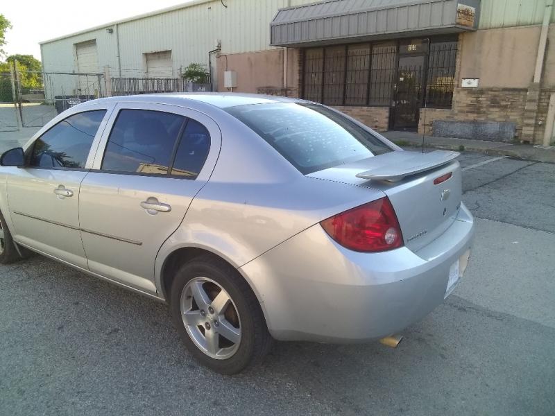 Chevrolet Cobalt 2005 price $2,000