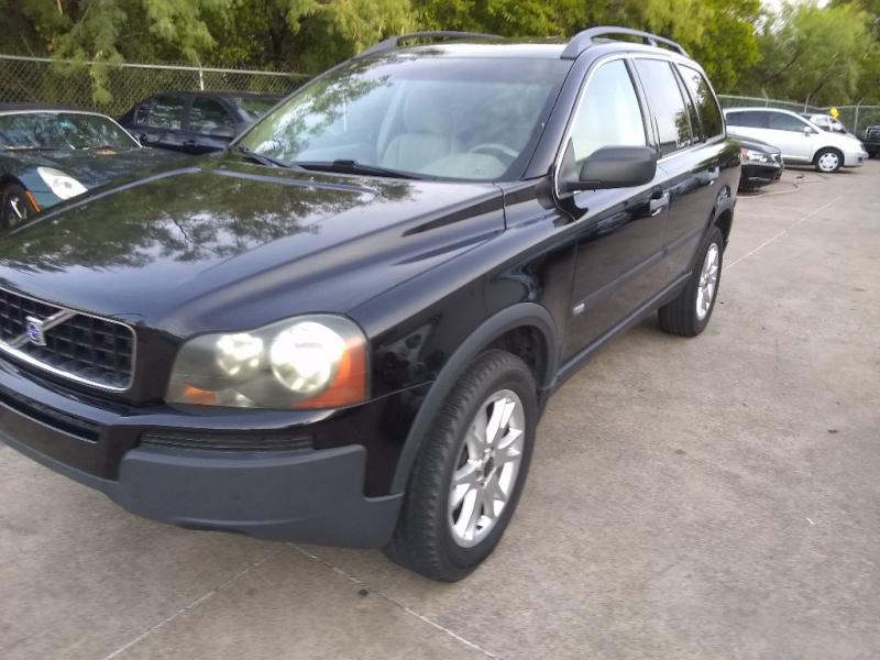 Volvo XC 90 2004 price $2,500