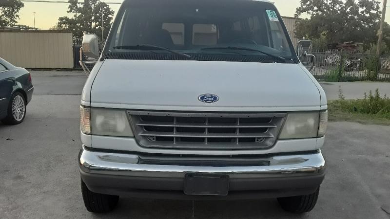 Ford Club Wagon 1996 price $3,500