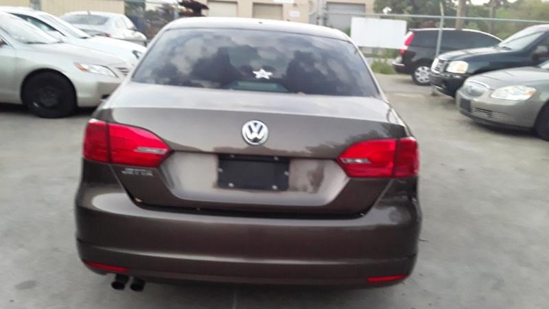 Volkswagen Jetta 2012 price $4,800