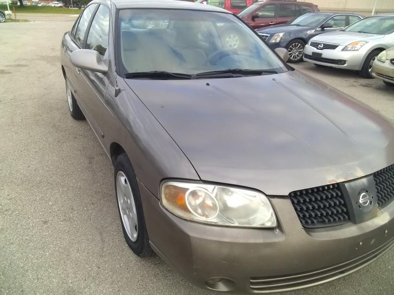 Nissan Sentra 2004 price $2,100