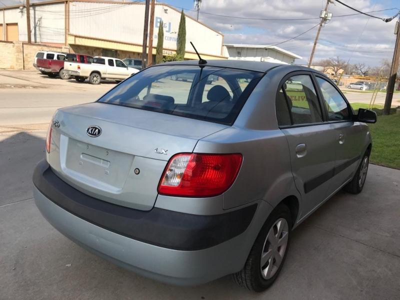 Kia Rio 2007 price $2,995
