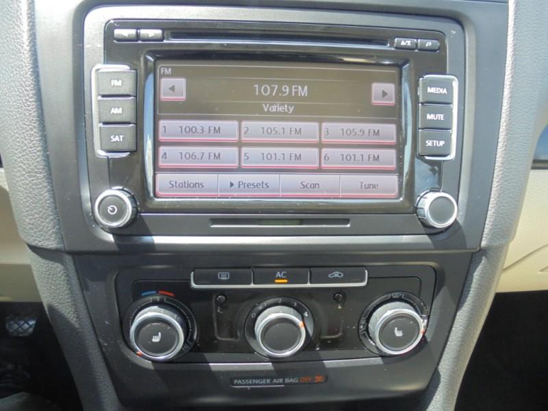 Volkswagen JETTA 2011 price $8,250