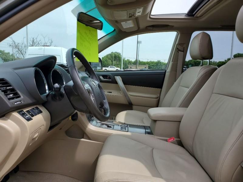 Toyota Highlander 2008 price $10,900