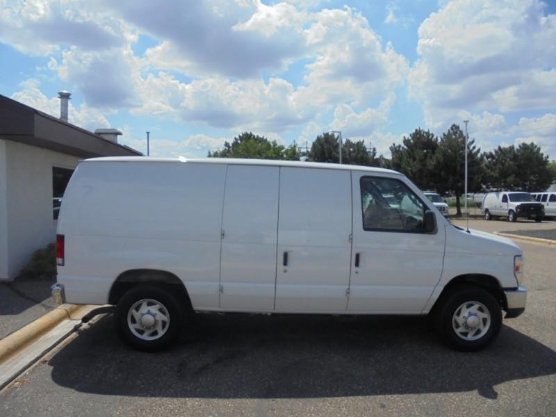 Ford Econoline Cargo Van 2014 price $10,950