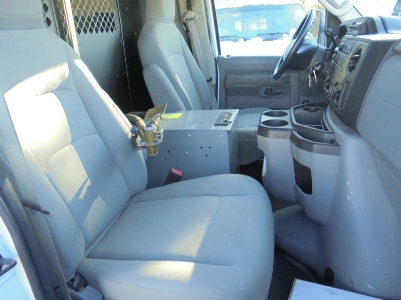 Ford Econoline Cargo Van 2011 price $7,950