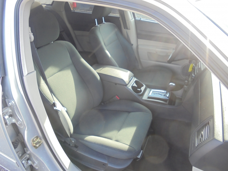 Dodge Magnum 2005 price $2,950