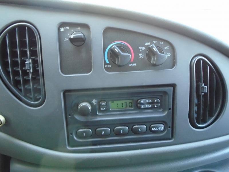 Ford Econoline Cargo Van 2007 price $4,950