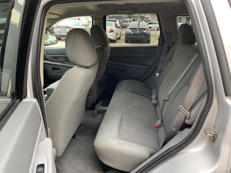 Jeep Grand Cherokee 2006 price $6,895