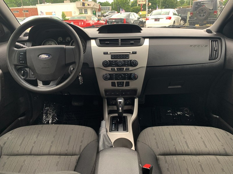 Ford Focus 2010 price $5,600