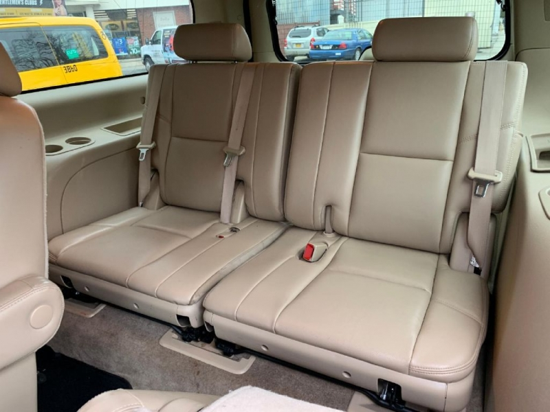 GMC YUKON XL 2011 price $13,500