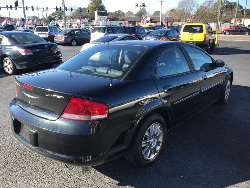 CHRYSLER SEBRING 2004 price $2,800