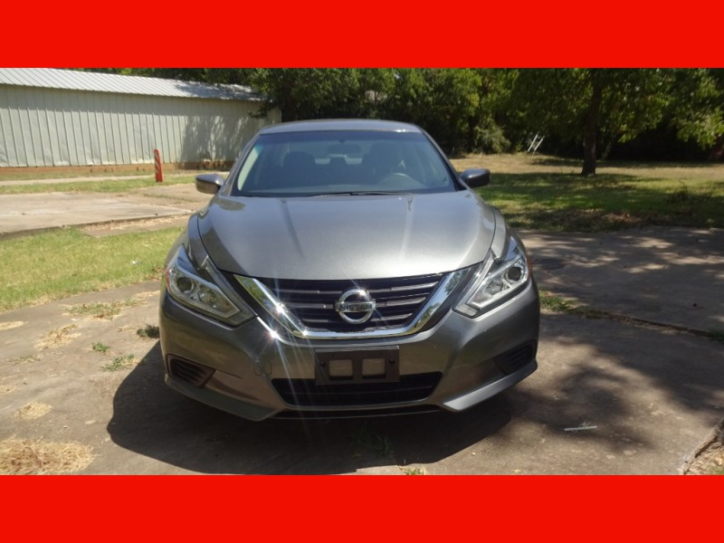 Nissan Altima 2016 price $11,900