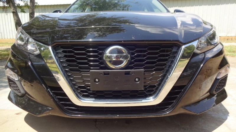 Nissan Altima 2019 price $16,999