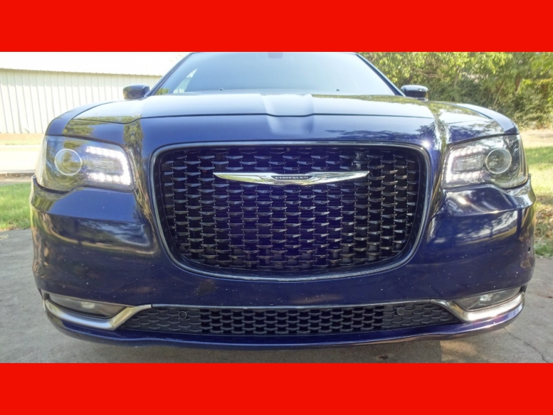 Chrysler 300-Series 2016 price $18,999