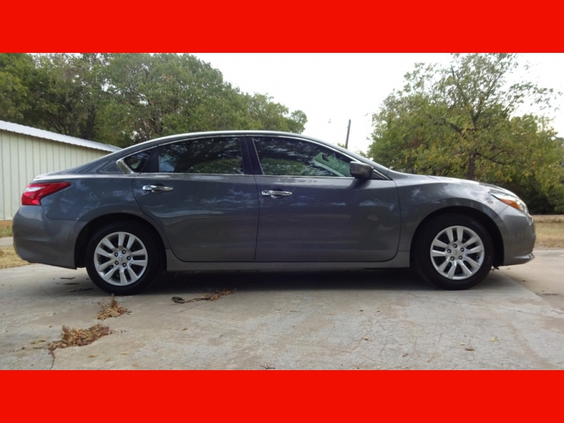 Nissan Altima 2017 price $10,999