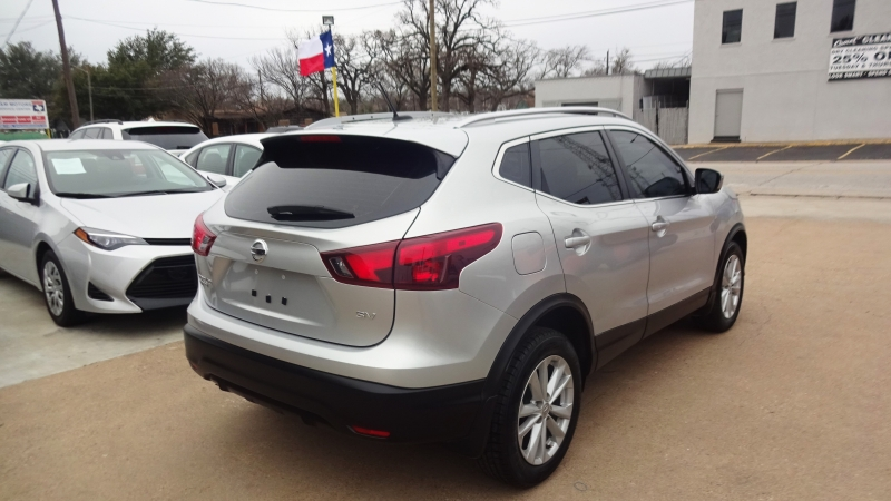 Nissan Rogue Sport 2017 price $12,999