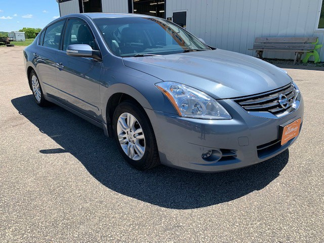Nissan Altima 2011 price $8,495
