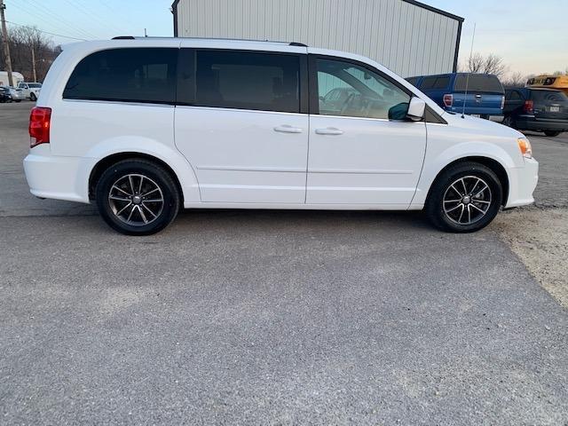 Dodge Grand Caravan 2017 price $17,985