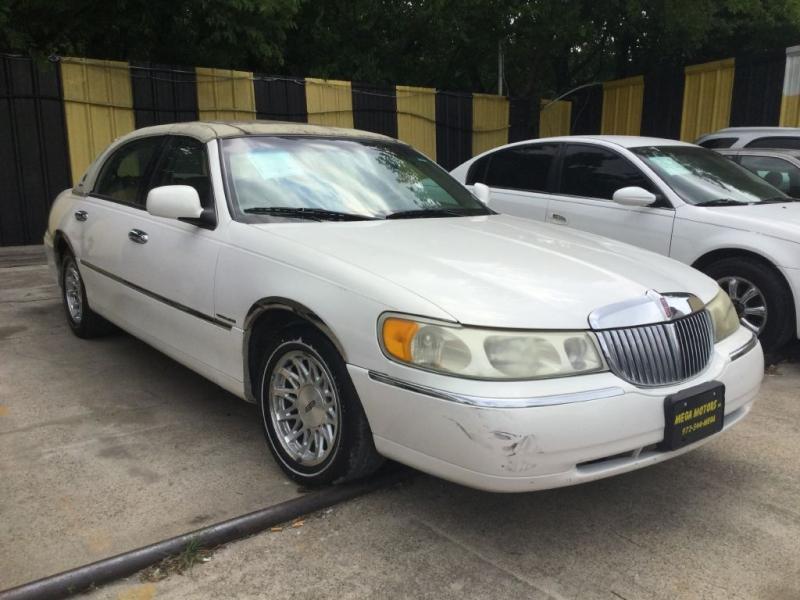 LINCOLN TOWN CAR 1999 price $299 Down